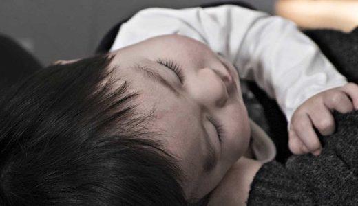 生後2ヶ月の赤ちゃんの背中スイッチを回避して寝かしつけるための5つの工夫